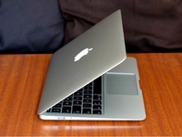 Used MacBook Air core i5 256SSD 2GB RAM 11' in Dubai, UAE