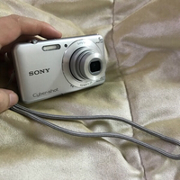 Used Sony camera 📷 DSC W710 8 GB and charger in Dubai, UAE