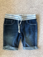 Used Shorts for a girl 10 years old  in Dubai, UAE