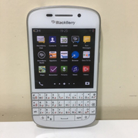 Used Blackberry q10 white and nice in Dubai, UAE