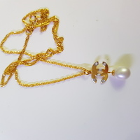 Used New 2.5g gold, diamonds and pearl neckla in Dubai, UAE
