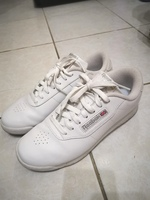 Used Reebok White Rubber Shoes in Dubai, UAE