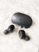Used MI- NEW EARBUDS WIRELESS ☺️ in Dubai, UAE