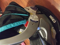 Used Baby car seat for boys in Dubai, UAE