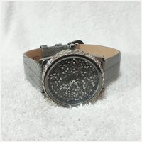 Used Brand new elegant VICTORA WEEK watch in Dubai, UAE