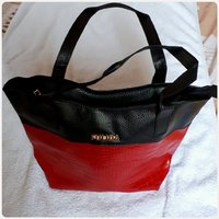 Fabulous handbag black red