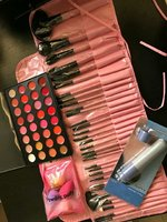 Used Bundle offer make up set for women in Dubai, UAE