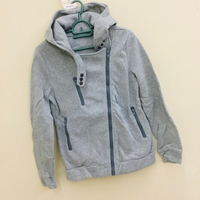 Used Brand New very soft hoodies sizeL unisex in Dubai, UAE