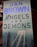 Used Dan Brown novel ( lockdown past time) in Dubai, UAE