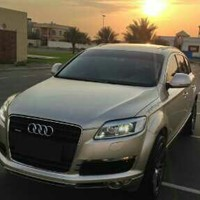 Perfect Deal Lovely Q7 2008 GCC - lady driving - Just