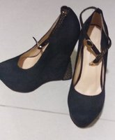 Used New shoes brand TOQA 20aed in Dubai, UAE