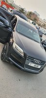 Used Audi  Q7  Model 2007 famly  use in Dubai, UAE
