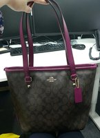 Used Coach and Guess shoulder Bags in Dubai, UAE
