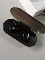 Used JBL headset.. box packed in Dubai, UAE