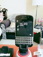 Used Blackberry Q10 Sp 4 offer today . in Dubai, UAE