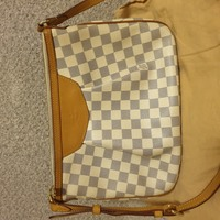 Used LV damier azur siracussa pm in Dubai, UAE