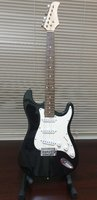 Used Electric Guitar with stand in Dubai, UAE