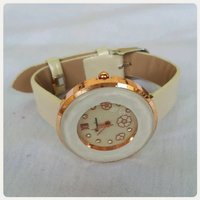 Used Fabulous biege watch fashion..new in Dubai, UAE