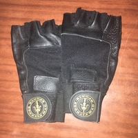 Used Gym gloves  in Dubai, UAE