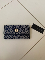 Used Long wallet by Tommy Hilfiger  in Dubai, UAE