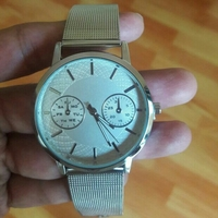Used Quartz Metallic Couple Watch in Dubai, UAE