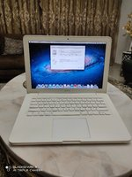 Used Apple MacBook 2010 C2D 2GB 250GB HDD in Dubai, UAE