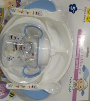 Used Baby feeding set 5 in 1 in Dubai, UAE