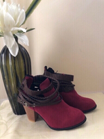 Used NEW Ladies' Boots Size 35 in Dubai, UAE