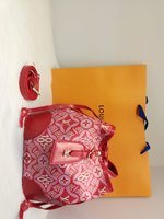 Used Louis Vuitton Red bag in Dubai, UAE