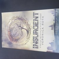 Used Book for sale - Insurgent in Dubai, UAE