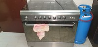 Used ITALIAN GAS STOVE 5 BURNER WITH CLYNDER in Dubai, UAE