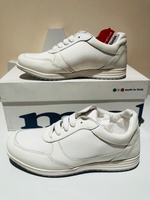 Used Sport shoes size EU33 white leather/synt in Dubai, UAE