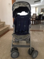 Used Mclaren Stroller in navy blue in Dubai, UAE