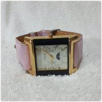 P&Q watch pink color