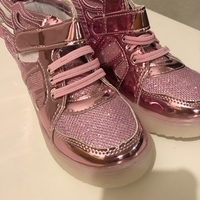 Used جزمه بناتي / girl's boots size 31  in Dubai, UAE