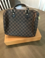 Used Louis Vuitton speedy 30 handbag in Dubai, UAE