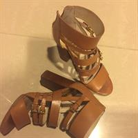 Authentic #Michael Kors Leather Sandal In Good Condition.