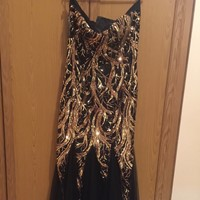Used Elegant Gorgeous Brand New Evening Dress From US Never Used  in Dubai, UAE