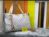Used LV LADIES BAG S/W in Dubai, UAE