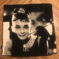 Used Audrey Hepburn cushion covers in Dubai, UAE