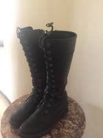 Used TIMBERLAND black boots women's size 9  in Dubai, UAE