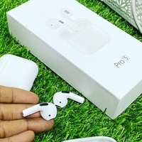 Used Mini size AirPod pro white e in Dubai, UAE
