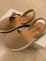 Used Beige leather sandals - Brand new in Dubai, UAE