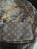 Used Preloved Japan LV Pochette With Code in Dubai, UAE