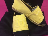Brand New chanel Espadrilles Size 40 Comes W A Box, Dustbag And Paper Bag