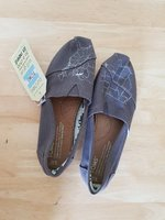 Used Tom's new shoes size 5w no box in Dubai, UAE