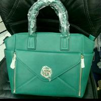 Used Brandnew Handbag With Wallet Detatchable in Dubai, UAE
