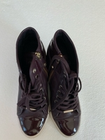 Used DKNY shoes maroon  in Dubai, UAE