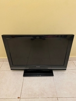 "Used 32"" song flat TV with remote control in Dubai, UAE"