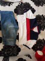 Used T SHIRT AND JEANS Medium in Dubai, UAE